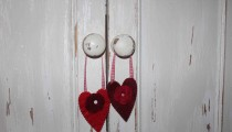 Felt Hearts with Flowers, easy Christmas decorations or gift bags