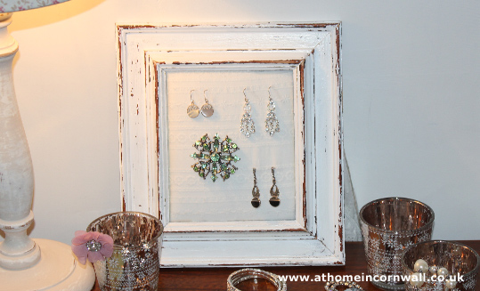Jewellery Board - Broderie Anglaise