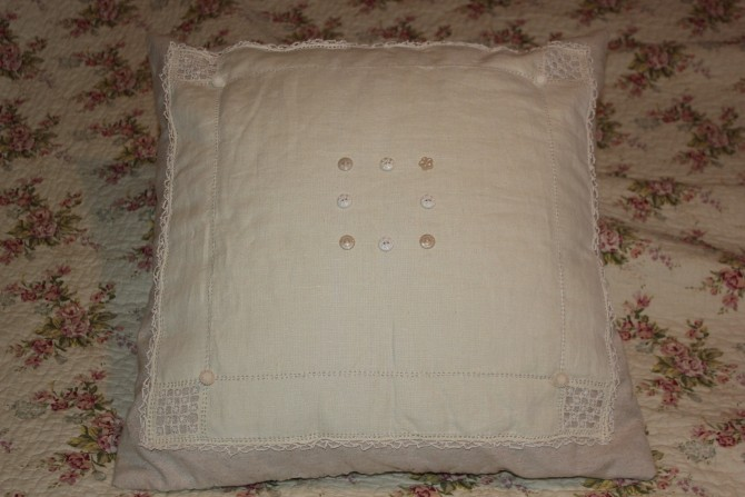 Old linen Cushion