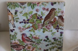 Shabby chic vintage bird tile 00468