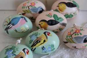 Shabby chic vintage Easter eggs 00476