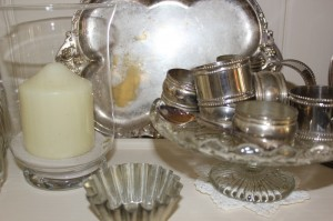 Shabby chic silverware and glass 00553