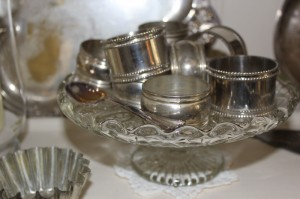 Shabby chic silver napkin rings kitchenalia 00563