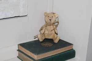 Shabby chic wooden toy and books 00614